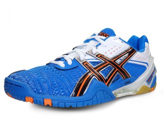 chaussures de sport en salle asics
